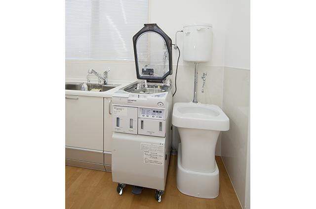 ウイルス感染を防ぐため内視鏡洗浄器を使用しています。患者さん一人ごとに検査が終了次第、内視鏡を完全消毒していますので安心して検査を受けていただけます。